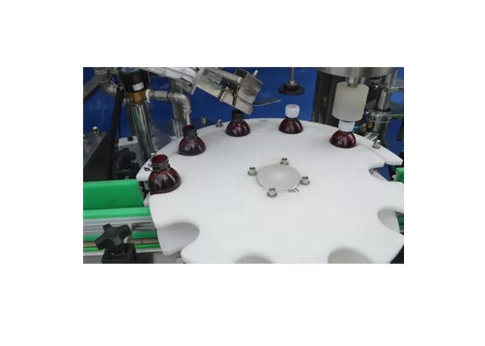 Автоматична машина за пълнене с бутална помпа